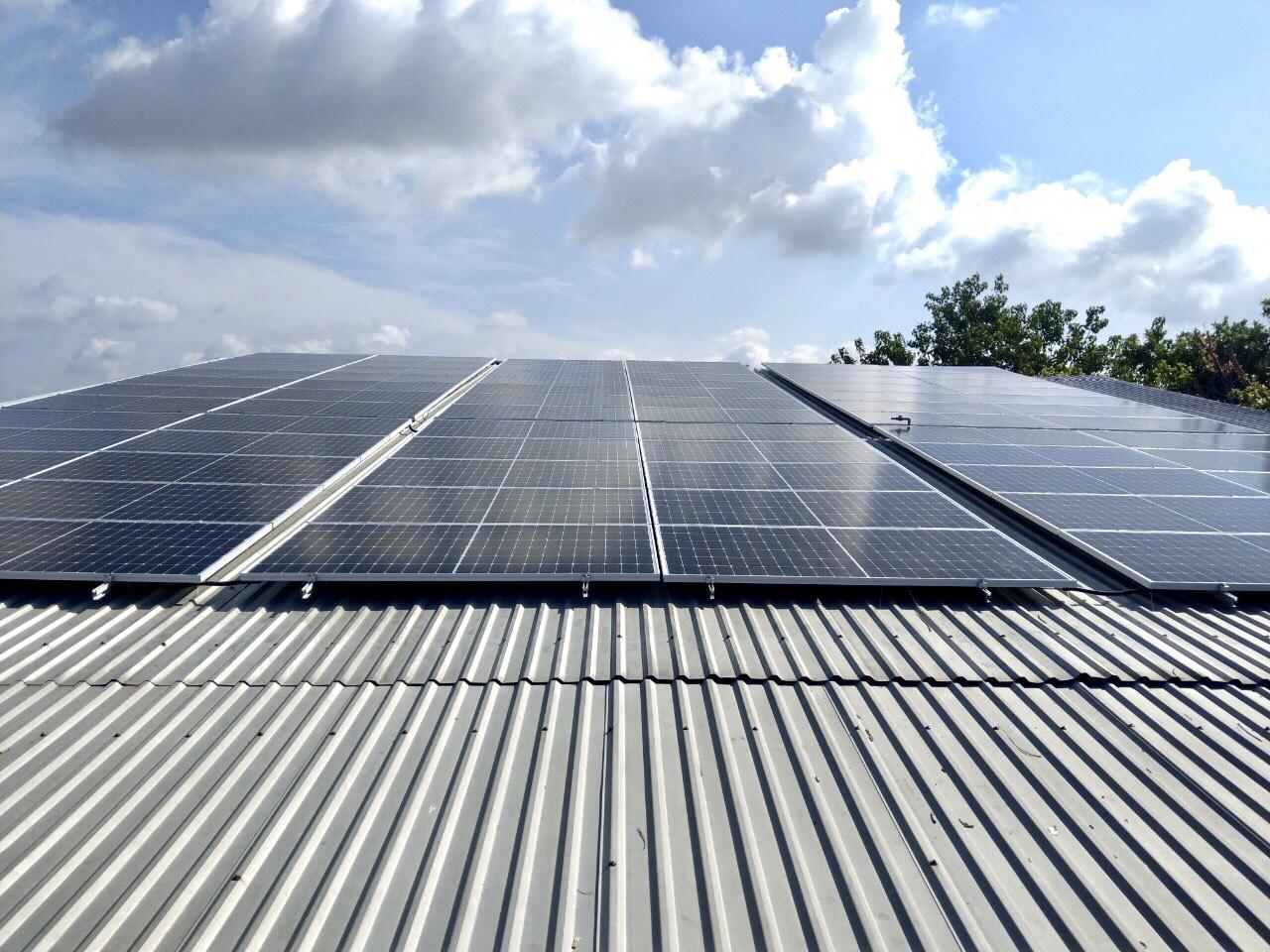 Hệ Thống điện Mặt Trời Hòa Lưới Công Suất 50KWp ở Cơ Sở Sản Xuất Nước đá Ngọc Long